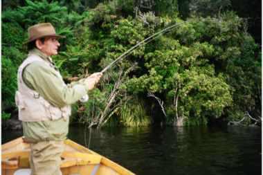 Angling report Dec 2001 Kingfisher Lodge fly fishing reports Lake Brunner